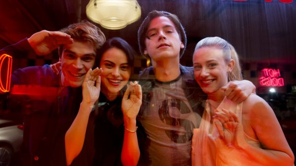 "Riverdale - 2x17 - ""The Noose Tightens"""