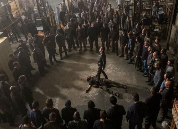 """The Walking Dead - 8x15 - """"Worth"""" - AVANT DERNIER EPISODE !"""