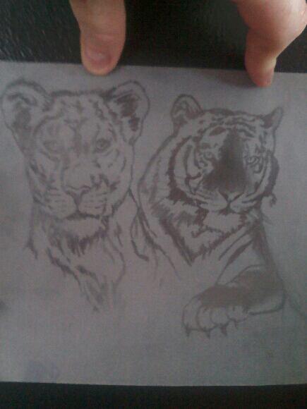 Mon futur tatoo qui va être fait par mon tatoueur sur la cuisse vous en pensé kwa de son travail