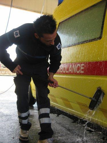 Création des Ambulances Boraines par Arnaud Franchini et Nathalie Moreau en 2007