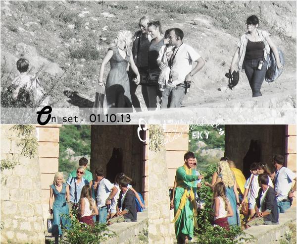 - SET - CANDIDS: September - October _______________________Game of thrones set Quelques jours plus tard, nous avons retrouvé Emilia ! La belle est de retour en Europe pour le tournage de Game of Thrones, et a été photographiée ce matin sur le plateau, en Croatie à Split, au sein du Diocletian's Palace. De quoi nous donner l'eau à a bouche pour cette 4e saison à venir !
