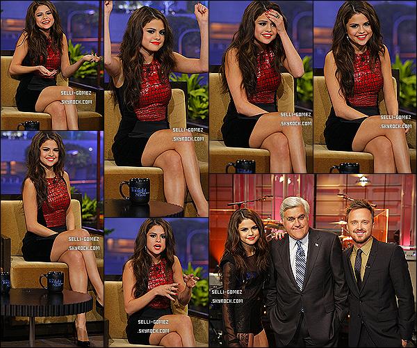 23/07/2013 : Selena Gomez était sur le plateau de The Tonight Show avec Jay Leno -  Los A.