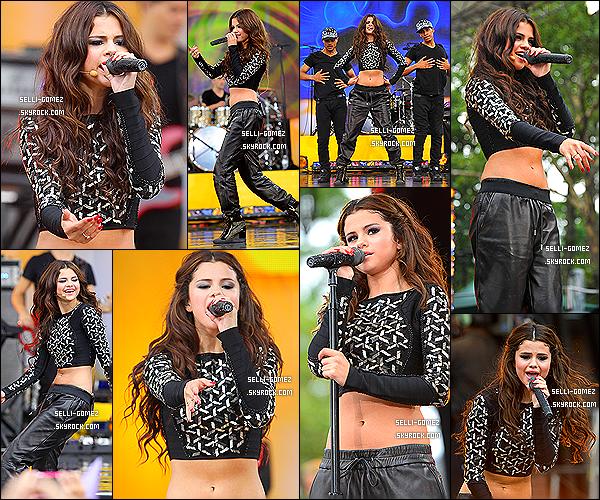 25/07/2013 : Selena M Gomez a performé pour Good Morning America à Central toujours dans New York!  S. a chanté sur les chansons : C&GI, Slow Down et Birthday accompagné de ses chorégraphies qui seront faites sur sa tournée : SDT