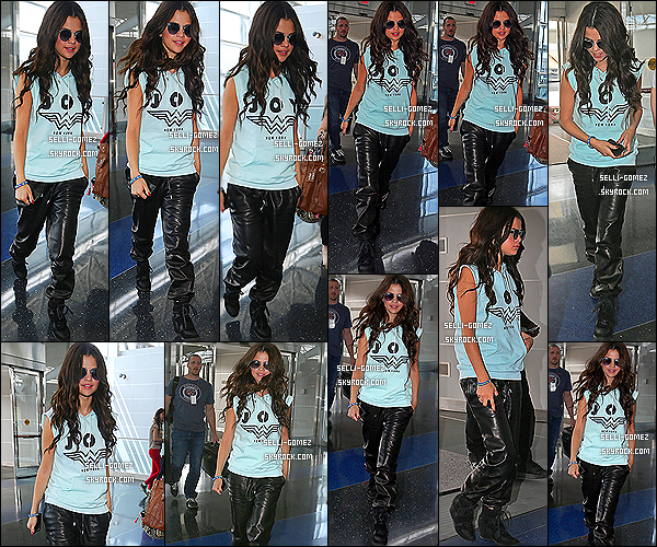 26/07/2013 : Sel a été vue arrivant à l'aéroport de JFK à New York pour retourner à Los Angeles.