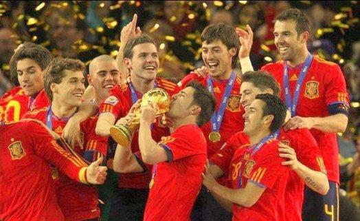 Fière de la séléctions Espagnole nôtres roja est la plus belle équipe du monde.