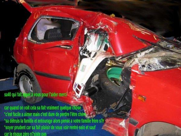 Un accident sur 12 est provoqué par l'usage du téléphone au volant... 2012   Alors qu'environ 12% des accidents corporels de la route sont imputables à l'utilisation du téléphone au volant1, une étude sur l'évolution des comportements des conducteurs2, menée par N.A.C.E.R/Nouvelle Association Concernant l éducation Routière, observe une très forte progression de l'usage du téléphone au volant notamment chez les jeunes : 79% des 18-24 ans déclarent utiliser leur téléphone portable au volant, sans réelle conscience du danger
