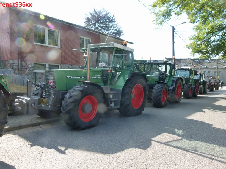 Bénédiction de tracteurs à Hausset en  août 2014