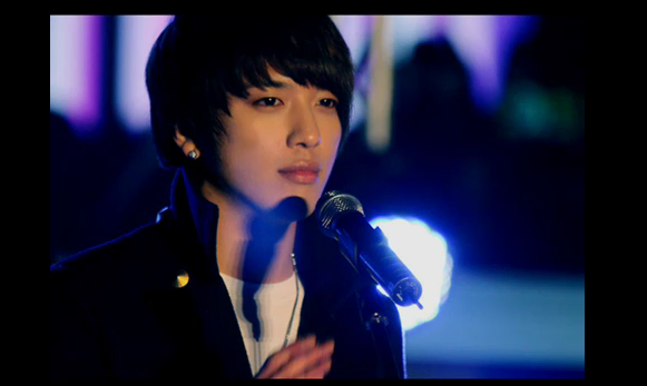 Jung Yong Hwa ~ 그리워서 ( Because I Miss You )  (2011)