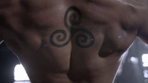 • Le Tatouage de Derek