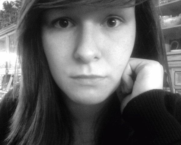 ________Regarde-moi dans les yeux, tu comprendras qu'j'suis qu'une baltringue