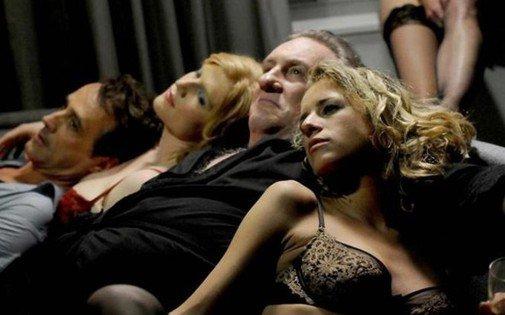 """★ Festival de Cannes ( 2014 ) ★  """"Welcome to New York"""", beaucoup de bruit pour un film décevant"""