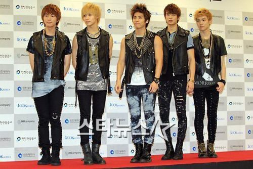 {NEWS} 111018 | SHINee rencontre un grand succès au Japon ! ✰彡