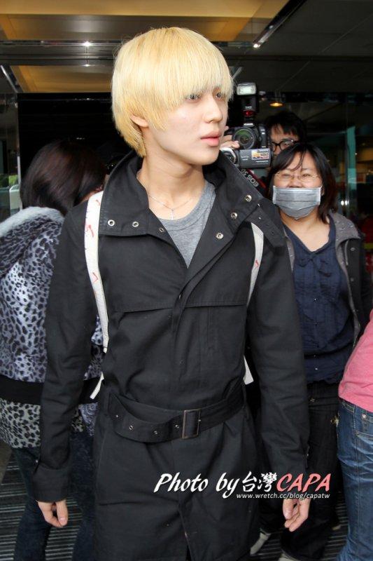 {PHOTOS/VIDEOS} 111120&21 | SHINee s'envole  pour Taiwan et arrive à destination ✰彡