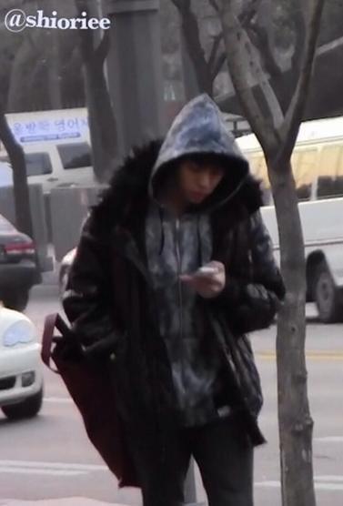 {PHOTOS} 120110 | Stalking - Jonghyun  ✰彡
