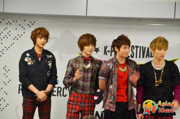 {PHOTOS} 120208 | Conférence de Presse Music Bank in Paris✰彡