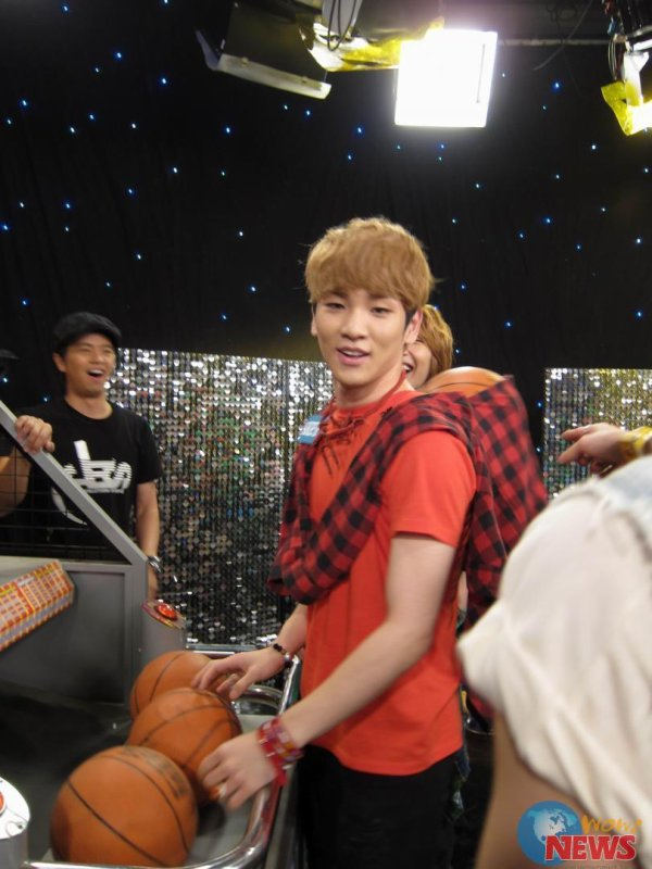{PHOTOS} 120618 | SHINee à l'enregistrement de 100% Entertainment ✰彡