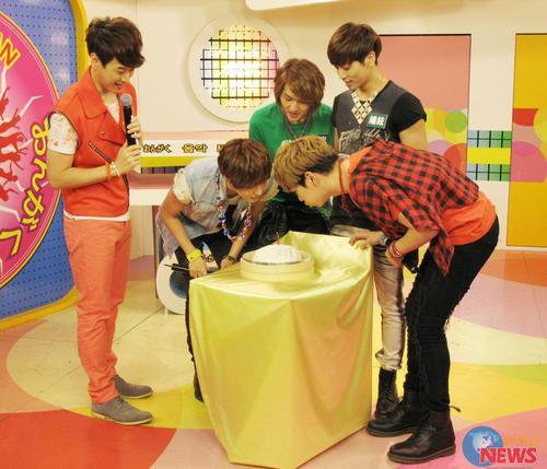 {PHOTOS} 120618 | SHINee à MTV Taiwan ✰彡
