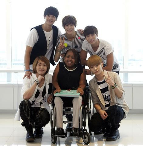 {NEWS} 120620 | La rencontre entre SHINee et Donika Sterling ✰彡