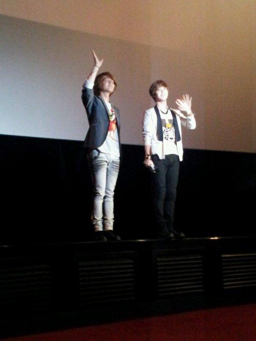 {PHOTOS} 120621 | I AM. poste des photos d'Onew, Taemin et leurs dédicaces ✰彡
