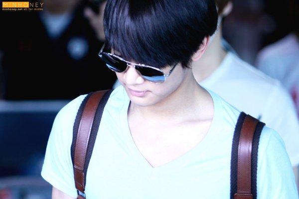 {PHOTOS} 120625 | SHINee @ Gimpo Aéroport (Retour en Corée) ✰彡