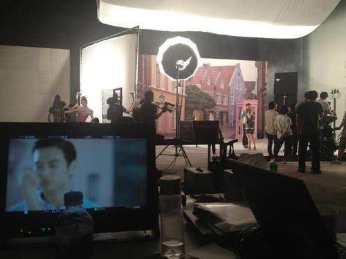 {NEWS} 120712 | SHINee et Dara dans un nouveau CF d'Etude House ?  ✰彡