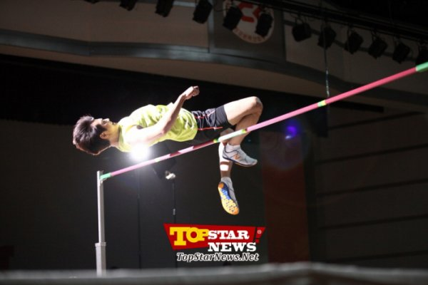 {PHOTOS} 120718 | Minho à l'entrainement de saut en hauteur dans 'To the Beautiful You' ✰彡