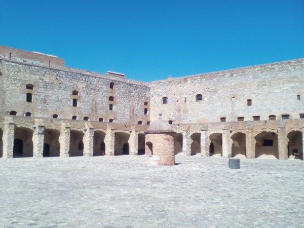 Château militaire de Salses