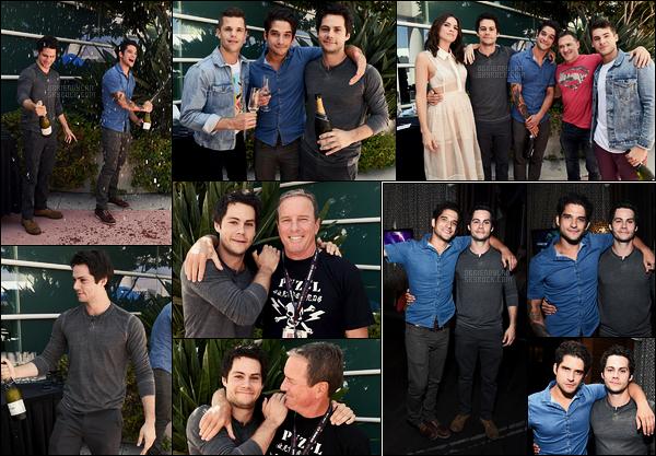 20/07/17 Dylan O'brien accompagné du cast, a été photographié à la press line de Teen Wolf dans San Diego. Dans la soirée, il était à la Fandom Party, il a posé entre autre avec son ami Tyler Posey. Journée riche en émotion pour notre Dylan, top
