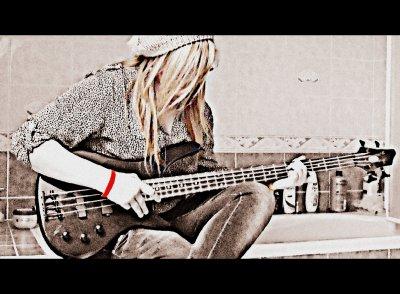 La musique est avant tout la base de l'existence pour apaiser nos esprit ravagés par des idées confuses.