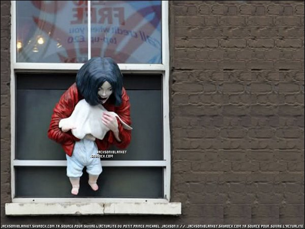 04/2011 Michael & Blanket. Une sculpture représentant Michael et Blanket à été inauguré à Londres !
