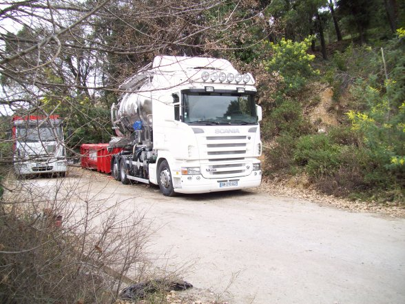 SCANIA R500 ampliroll vue a cagne sur mer