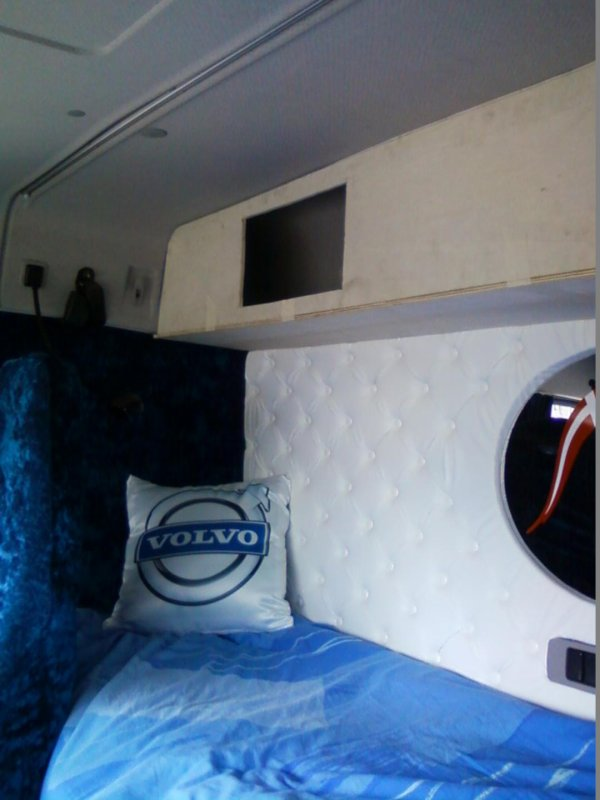 réalisation de coffres pour ma cabine .