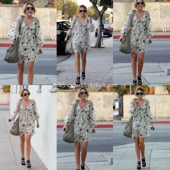 Miley se rendant à Studio City le 22 septembre 2010.