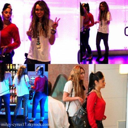 Dans la journée du 4 octobre, en plus de son passage chez Mr Chow et Millions of Milkshakes, Miley a fait un peu de shopping au Beverly Center.