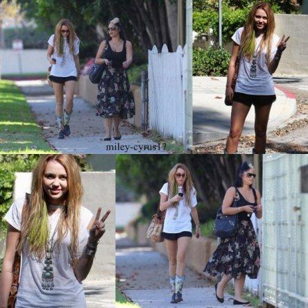 Miley s'est rendue chez une amie à Toluca Lake (Californie) hier le 10 octobre 2010.