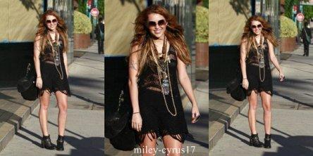 Miley à Los Angeles le 26 octobre 2010.