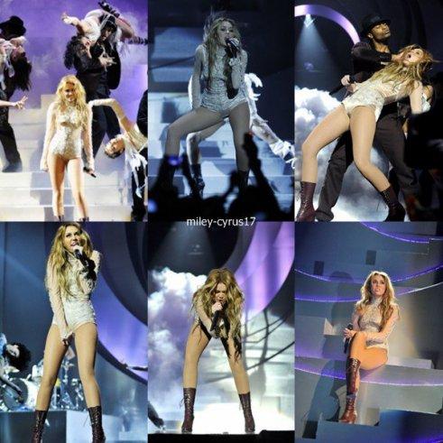 Miley sur la scène des EMA Awards 2010 le 7 novembre 2010. Elle y a chanté son tube who ons my heart. La performance était super.