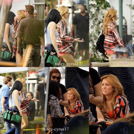 """Miley sur le tournage de """"So Undercover"""" en Louisiane en Nouvelle-Orléans le 16 décembre 2010. Le tournage devrait durer jusqu'à février 2011, pour une sortie en salle US estimée à l'Automne 2011. Vous pouvez vous attendre à avoir des photos du tournage très souvent."""