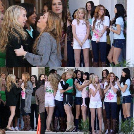 """Miley sur le tournage de """"So Undercover"""" qui a repris hier le 3 janvier 2010."""