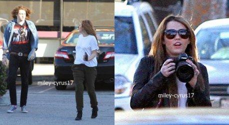 Miley et son frère se rendant chez un taoueur à Studio City, CA le 2 février 2011.