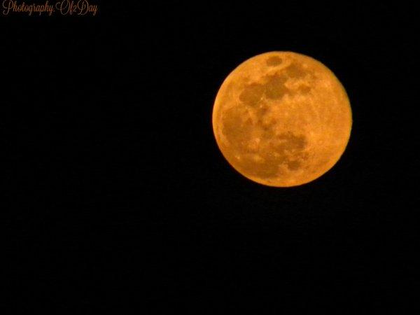 Moonlight 20:50 11-04-2017