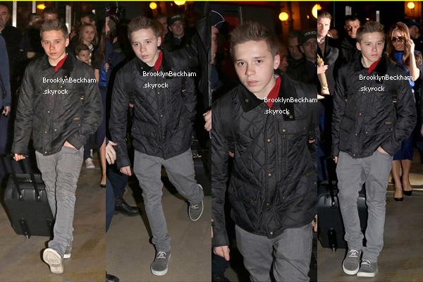 Les Beckham ont étaient aperçus lors de leur regroupement pour fêter l'anniversaire du plus jeune de leur garçon, Cruz. Ils ont aussi étaient vu à Paris après avoir pris l'Eurostar de Londres.