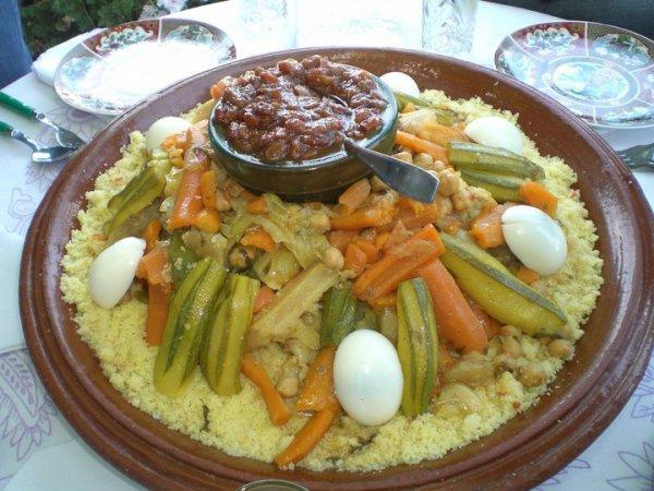 j'ai invite tout mes amis pour monge cette plat de couscous