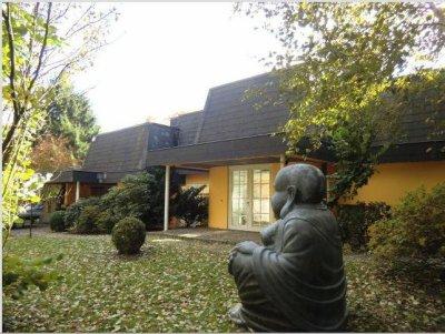 Voici une photo de la maison des jumeaux (Allemagne) sur le site immobilier !