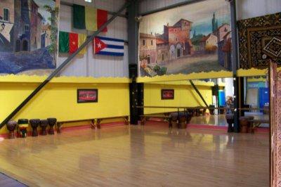 Voilà la salle où je m'entraîne pour le hip hop avec ceux de mon groupe!