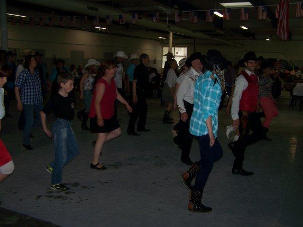Bal à Avenelle le dimanche 16 juin 2013