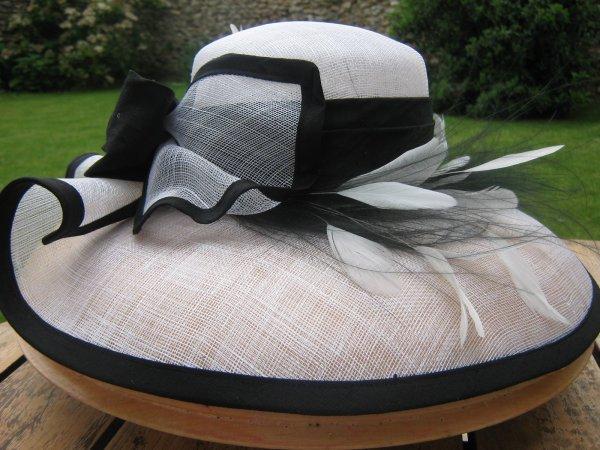 capeline chapeau pour femme d 39 t ou de c r monie moa et ses photo des antilles et lyon. Black Bedroom Furniture Sets. Home Design Ideas