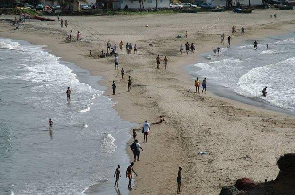 Le banc de sable qui relie le bourg de Saint-Marie à l'îlet Sainte-Marie est de nouveau praticable.