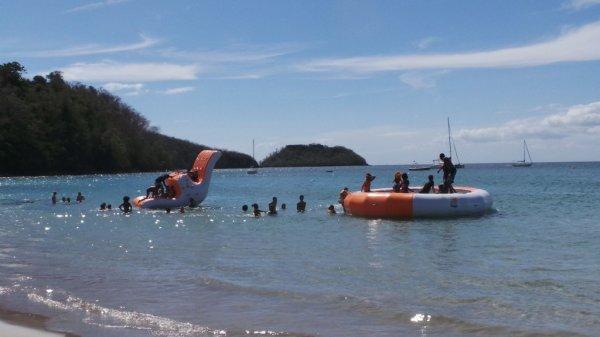 Pedalo, Canoe Kayak, scooter de mer mais également des croisières en Catamaran