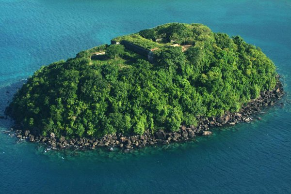 Ilet à Ramiers, Les Trois-îlets